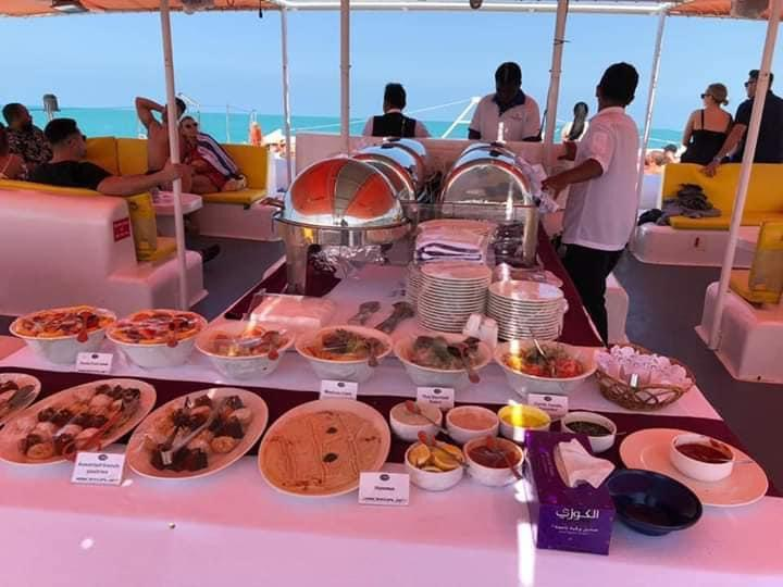 Yacht Cruise Refreshing Brunch and Water Sport Dubai – Tiger Rides & Tours with Co. Dubai